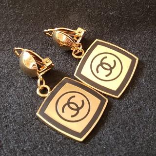 CHANEL - CHANEL シャネル ダングル イヤリング ゴールド ブラック 美品