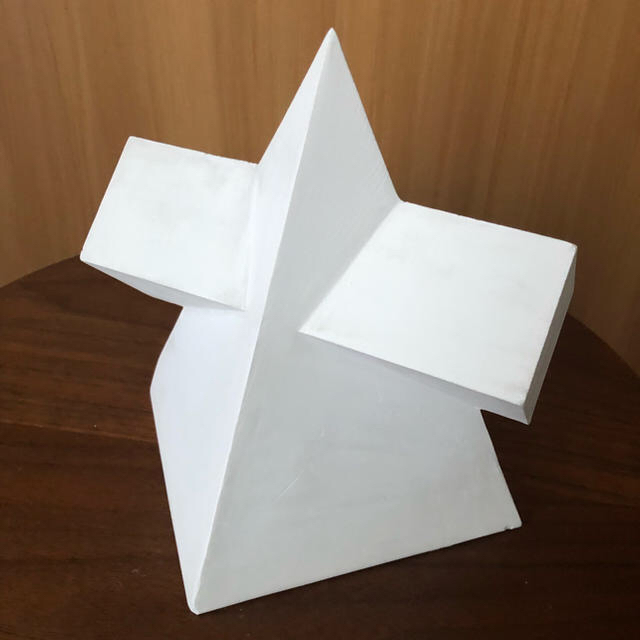 石膏像 角錐角柱相貫体 エンタメ/ホビーの美術品/アンティーク(彫刻/オブジェ)の商品写真