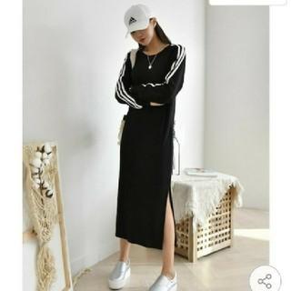 アディダス(adidas)の新作♥️アディダス風スエットワンピース 新品未使用(ロングワンピース/マキシワンピース)