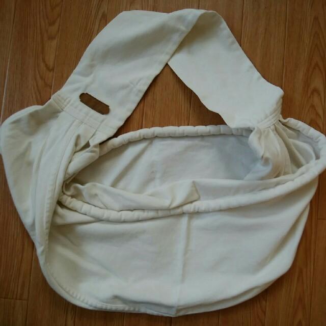 VETTA(ベッタ)のUmita様専用!ベッタ キャリーミー Mサイズ アイボリー スリング 抱っこ紐 キッズ/ベビー/マタニティの外出/移動用品(スリング)の商品写真