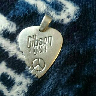 ギブソン(Gibson)の シルバー925 ギブソン ギター ピック ペンダント ヘッド(ネックレス)