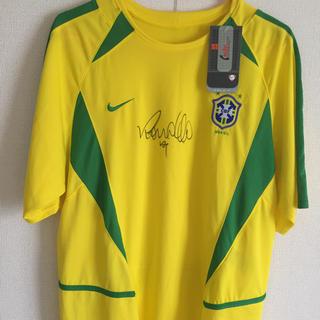ナイキ(NIKE)の【新品タグ付き】ブラジル代表 ロナウドサイン入り ユニフォーム(スポーツ選手)