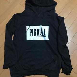 ピガール(PIGALLE)のPIGALLE BOXロゴ パーカー(パーカー)