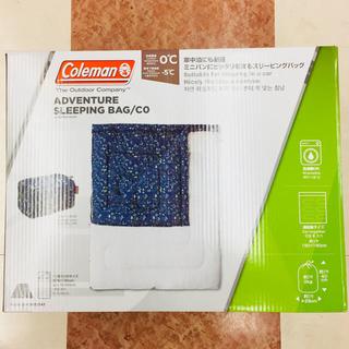 コールマン(Coleman)の新品 コールマン 寝袋 アドベンチャースリーピングバッグ 収納ケース付 送料無料(寝袋/寝具)