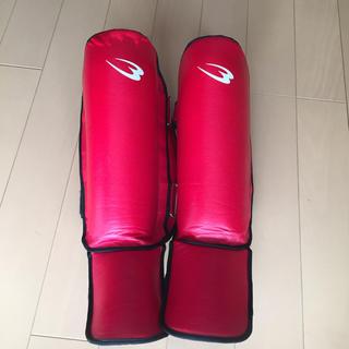 キックボクシング ムエタイ レッグガード 使用数回 美品 自宅保管品(格闘技/プロレス)