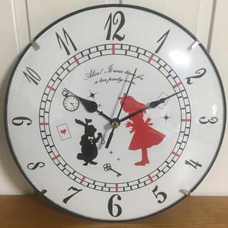 【新品・送料無料】不思議の国のアリス 壁掛け時計 静かな スイープ秒針(掛時計/柱時計)
