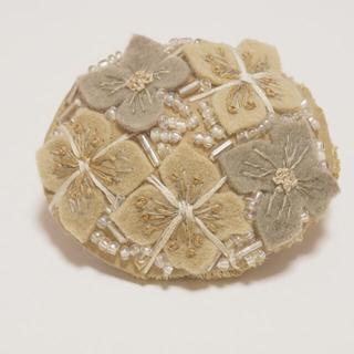 YARRA - 草木染めブローチ