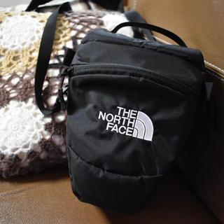 ザノースフェイス(THE NORTH FACE)のノーフスェイス カメラバッグ 1L 美品(ケース/バッグ)