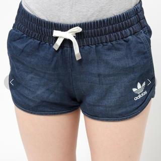 アディダス(adidas)のアディダスオリジナルス スウェットデニムショートパンツ (ショートパンツ)