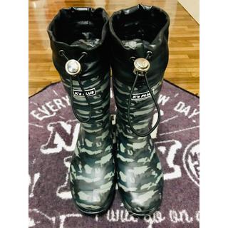 美品 子供 長靴 23㎝ 迷彩 新品ボアインソール付き(長靴/レインシューズ)