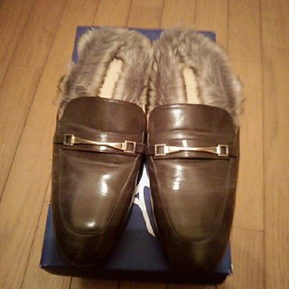 ジーユー(GU)のフェイクファーローファースリッパ(ローファー/革靴)