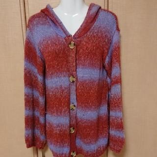 シンシア(cynthia)のcynthiaの赤と薄紫のセーター(ニット/セーター)