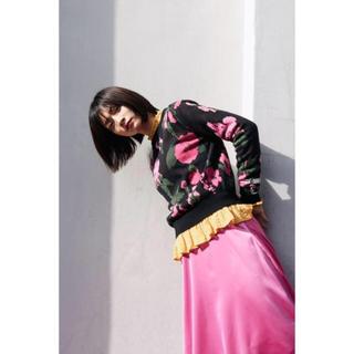ジーユー(GU)のフレアスカート(ひざ丈スカート)