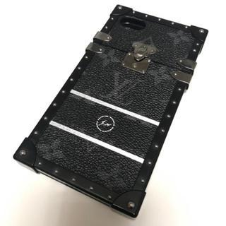 ルイヴィトン(LOUIS VUITTON)のVUITTONのトランクケースです(iPhoneケース)