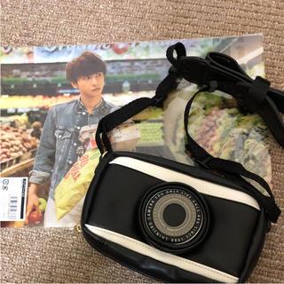 トリプルエー(AAA)の與真司郎 カメラ風ポーチ ファイル(ミュージシャン)