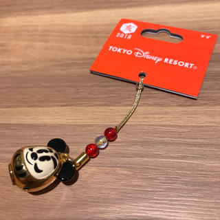 ディズニー(Disney)の【新商品☻】ディズニーリゾート お正月 2019 鈴ストラップ だるまミッキー(キャラクターグッズ)