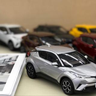 トヨタ(トヨタ)のCH-R カラーサンプル ※1台の価格です(ミニカー)