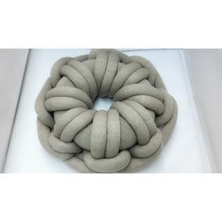 クッション 抱き枕 円形 編み おしゃれ(グレー)(クッション)
