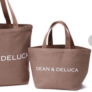 ディーンアンドデルーカ(DEAN & DELUCA)のDEAN & DELUCA  ホリディトート2018 モカ 《S》(トートバッグ)