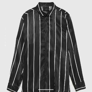 ザラ(ZARA)の今季 ZARA MAN S ブラック サテン ストライプ シャツ メンズ(シャツ)