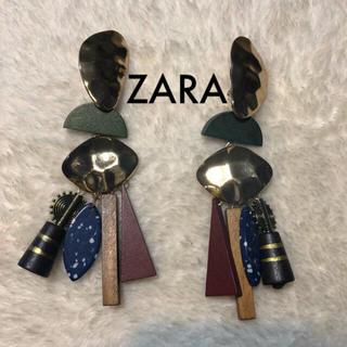 ザラ(ZARA)のZARA メタルウッドピアス 最終価格(ピアス)