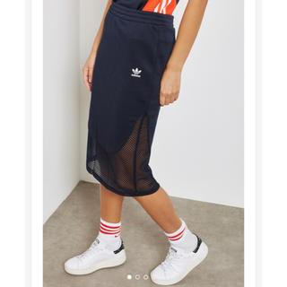 アディダス(adidas)の【Sサイズ】新品未使用タグ付き adidas タイトスカート ネイビー(ひざ丈スカート)