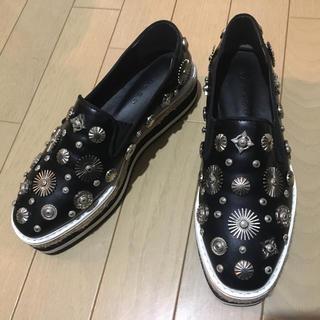 ザラ(ZARA)のメタル スタッズ 厚底 スリッポン トーガ TOGA お好きな方にオススメです。(ローファー/革靴)