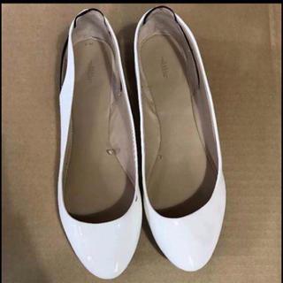 ザラ(ZARA)のZARA 靴 フラットシューズ ホワイト 異素材 オープンヒール バックオープン(ハイヒール/パンプス)