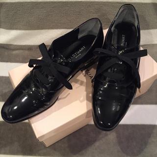 ジルスチュアート(JILLSTUART)の【JILL STUART】エナメル ローファー レースアップ おじ靴(ローファー/革靴)