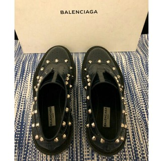 バレンシアガ(Balenciaga)のBALENCIAGA スタッズ付き レザーシューズ (ローファー/革靴)