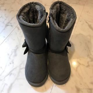 ビーデアール(B de R)のbebe リボン ムートンブーツ グレー 18cm(ブーツ)