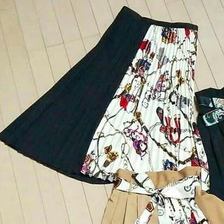 シマムラ(しまむら)の完売品 しまむら スカーフ柄 切り替えプリーツスカートZARAザラGUアベイル (ロングスカート)