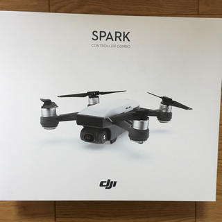 ドローン DJI SPARK コントローラセット未使用品(ホビーラジコン)