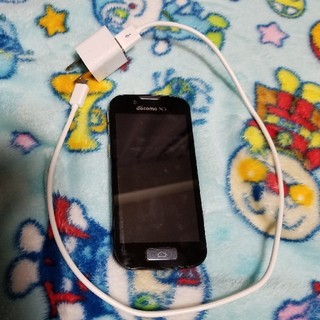 エヌティティドコモ(NTTdocomo)のDOCOMOらくらくスマートフォン(スマートフォン本体)