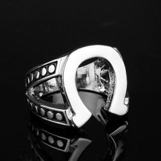 ホースシューリング(リング(指輪))