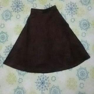 ジーユー(GU)のスエードタッチフレアミディスカートZ(ひざ丈スカート)