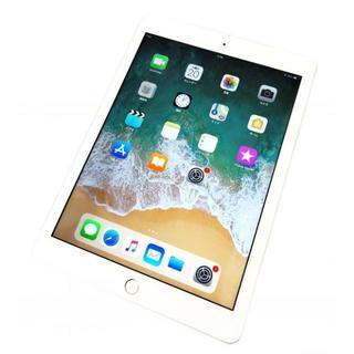 アップル(Apple)のほぼ新品 第6世代iPad Wi-Fi 32GB MR7G2J/A  シルバー(タブレット)