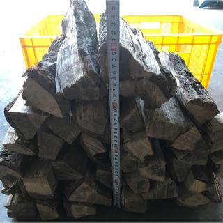 薪中割り25㎏人工乾燥送料無料(ストーブ/コンロ)