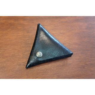 本革 へび柄 三角 コインケース 小銭入れ ブラック メンズ レディース(財布)