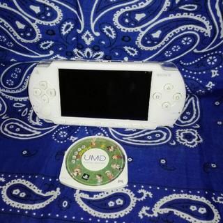 プレイステーションポータブル(PlayStation Portable)の【ゲーム機】PSP1000+カセットセット(携帯用ゲーム本体)