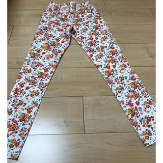 ジーユー(GU)のGU花柄パンツ(パンツ/スパッツ)