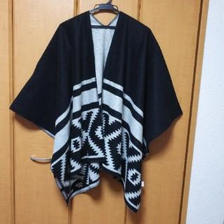 ギャップ(GAP)のGap ギャップ ネイティブ柄 ポンチョ 大判 羽織り 黒×グレー(ポンチョ)