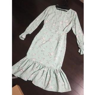 ジーユー(GU)のGU ◇ 花柄 カットソー マーメイドスカート セットアップ(ロングスカート)