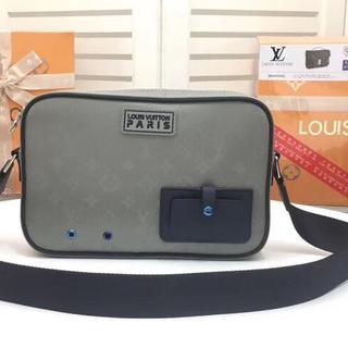 ルイヴィトン(LOUIS VUITTON)のヴィトンのメッセンジャーバッグ(メッセンジャーバッグ)