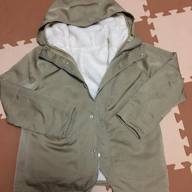titivate(ティティベイト)のtitivate   ボアマウンテンパーカー M ベージュ レディースのジャケット/アウター(ナイロンジャケット)の商品写真