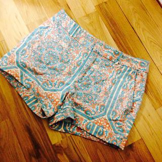 ザラ(ZARA)のZARA ザラ ショートパンツ ショーパン パンツ ズボン 柄(ショートパンツ)