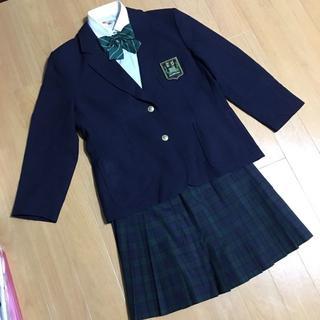 新品の高校制服です