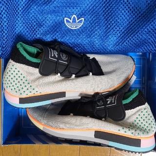アディダス(adidas)の半額以下 アレキサンダーワン adidas アディダス Yeezy Boost(スニーカー)