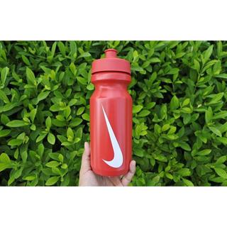 ナイキ(NIKE)の【日本未発売】Nike ナイキ ウォーターボトル 海外限定 レア ランのお供に!(トレーニング用品)