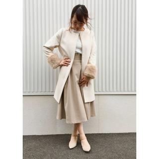 ジーユー(GU)のハイウエスト フレアミディスカート ベージュ 新品・未使用(ひざ丈スカート)